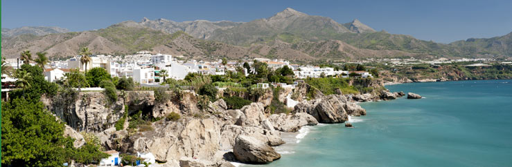 Host Family and Hotel Accommodation in Nerja - © Fotomicar